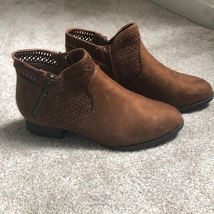 Cityclassified ankle boots